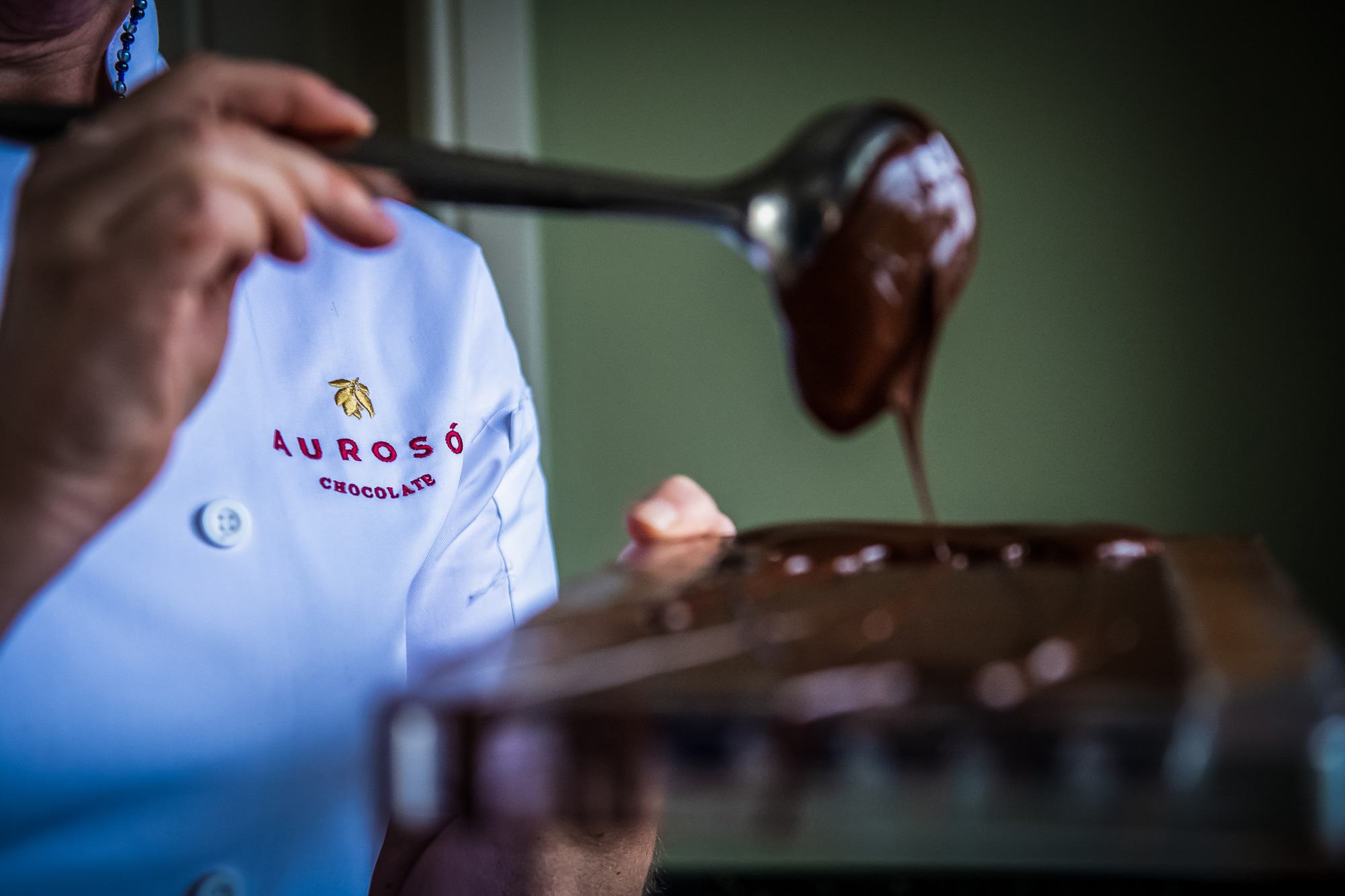 Making Auroso Chocolate